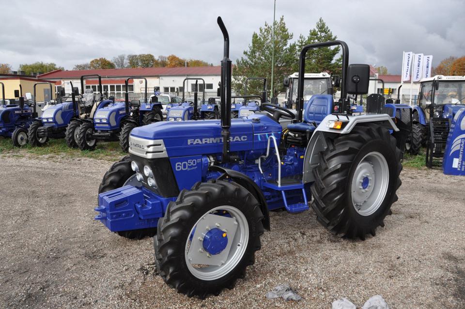TopAutoCom S A  Brasov - Galerie foto Tractor, Tractoare, Tractoare